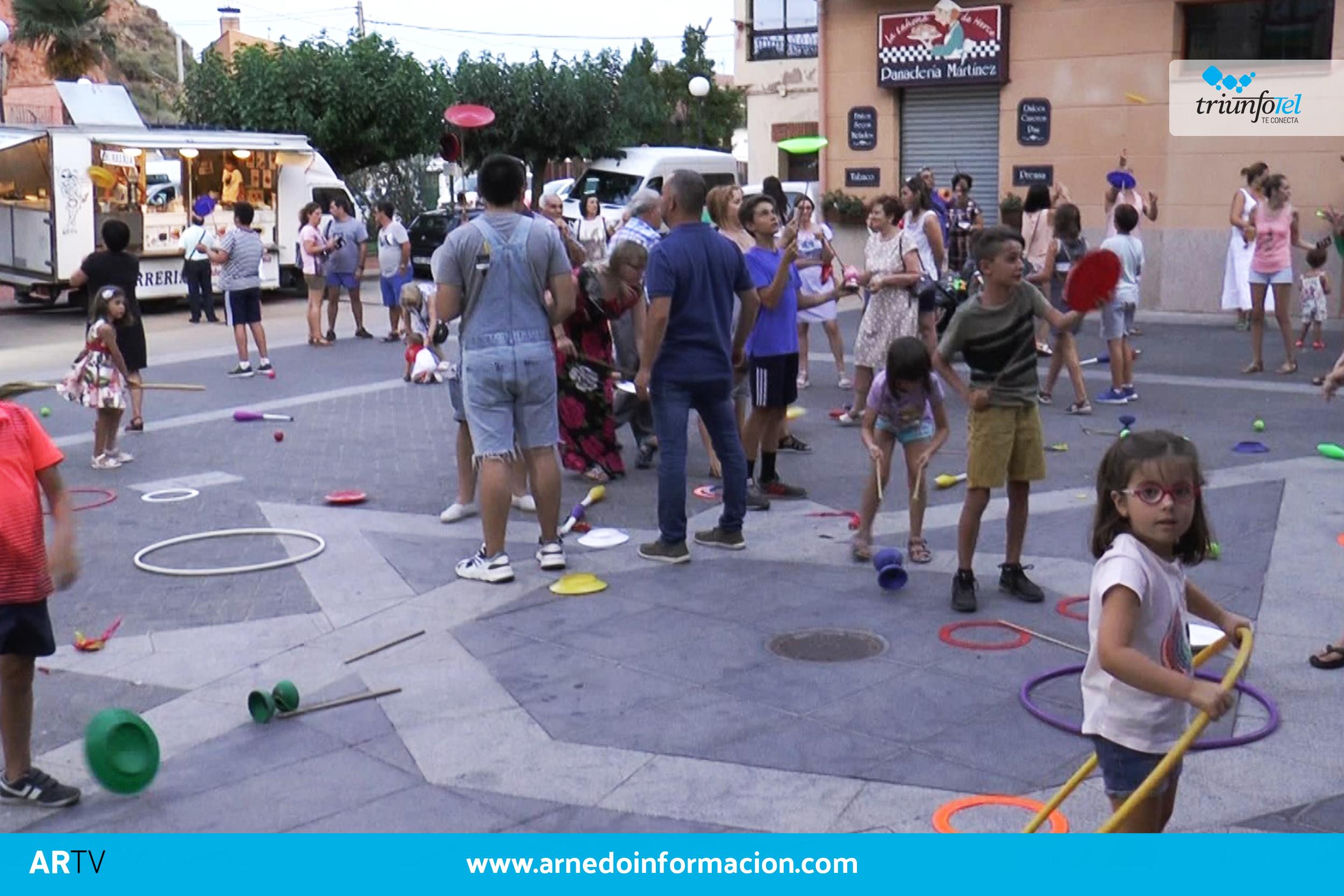 Juegos en la plaza principal de Herce