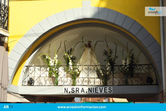 Imagen de la Virgen de las Nieves en la Puerta del Cinto