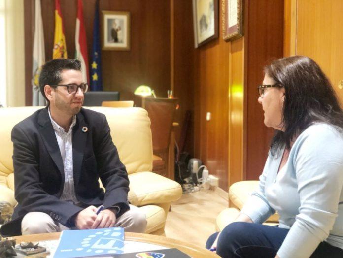 El Alcalde de Arnedo, Javier García, concluye su ronda de encuentros con los portavoces municipales. Hoy ha sido el turno de Virginia Domínguez, portavoz del Ciudadanos en el Ayuntamiento de Arnedo.