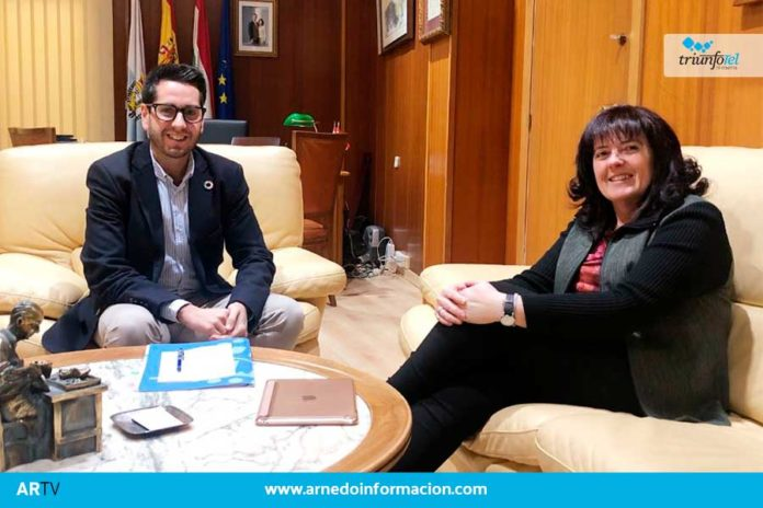 El Alcalde de Arnedo, Javier García, concluye su ronda de encuentros con los portavoces municipales. Hoy ha sido el turno de Rita Beltrán, portavoz del PR+ en el Ayuntamiento de Arnedo.