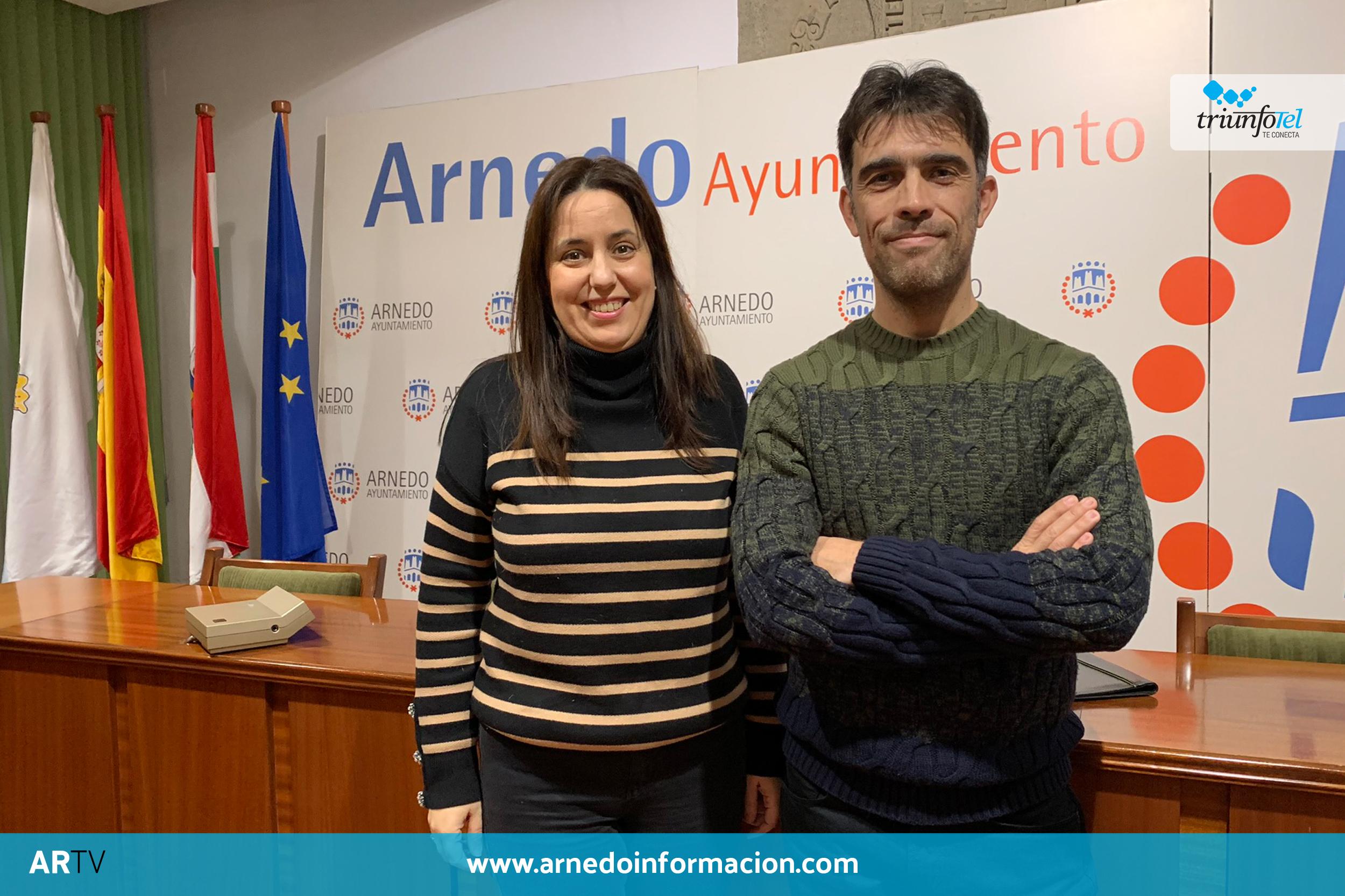 Diego Tellez y Maria Jesús Zapata, durante la presentación del ganador del premio Felipe Abad León