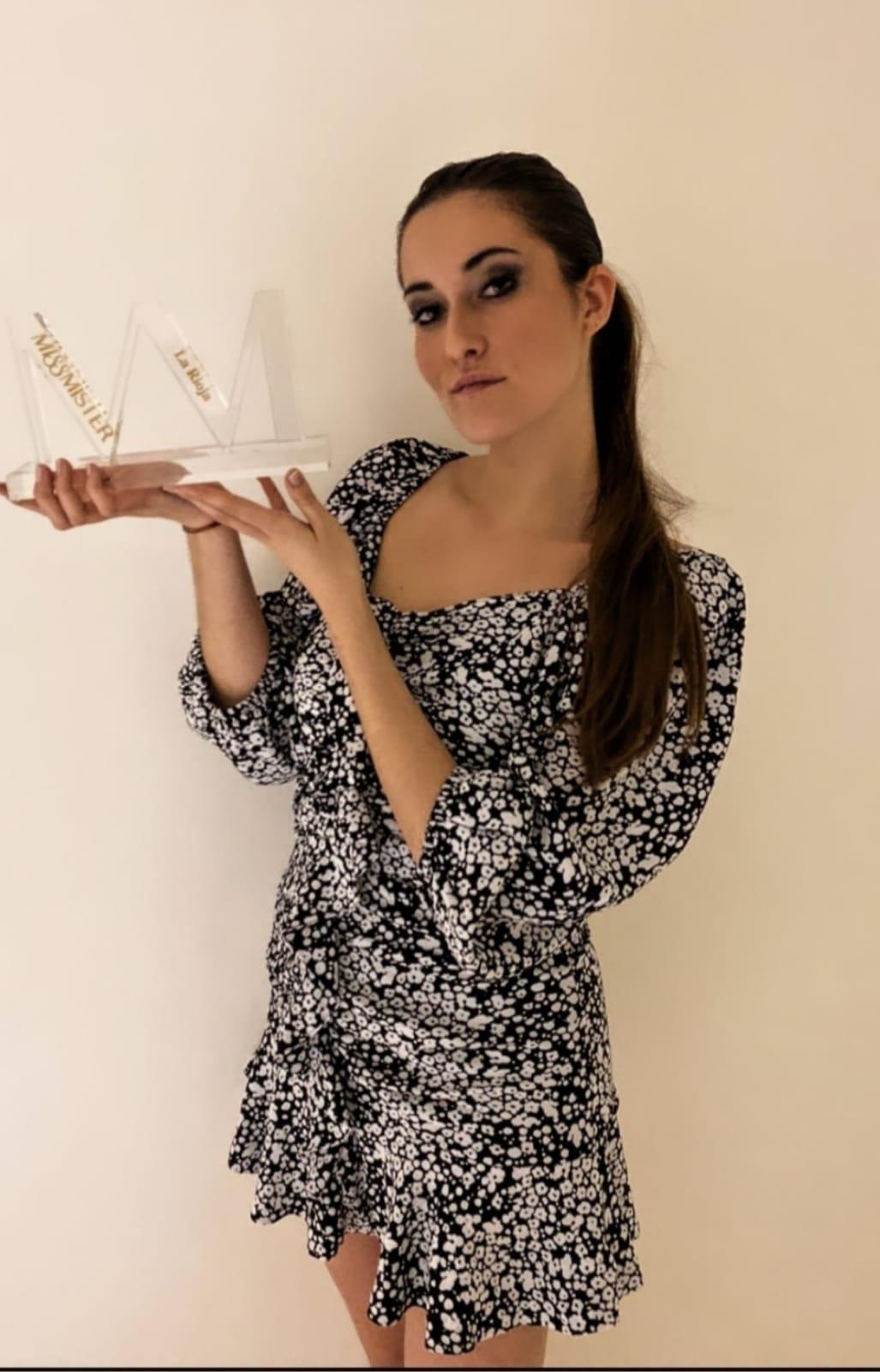 Marta Arpón, Miss La Rioja 2020, con el trofeo
