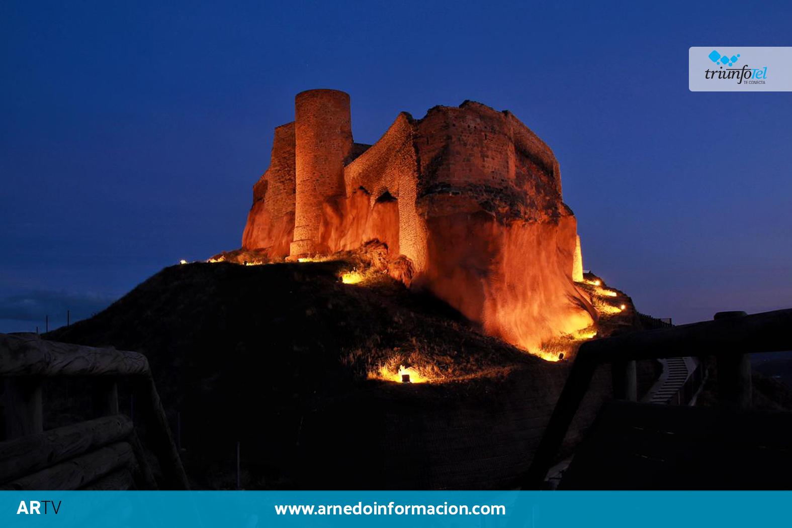 Castillo de Arnedo iluminado